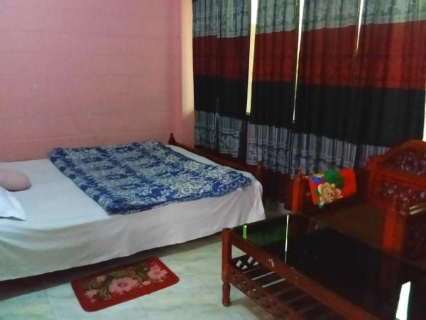 Jaintia-hill-couple-room (4)